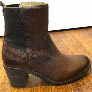 Frye Janis Gore brand new in box! Size 7